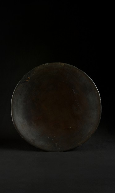 LACQUER WORKER PLATTER