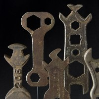 GROUPS OF WRENCHES